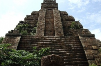 aztec-ancient-temple-600x396